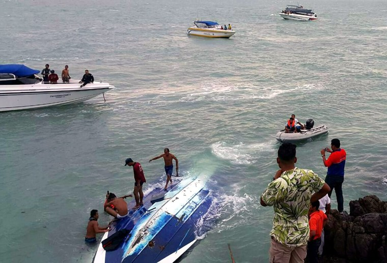 Image: Foreign tourists rescued off Koh Samui