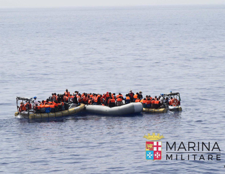 Image: The Italian Navy rescued a dinghy with 629 migrants and 45 dead bodies