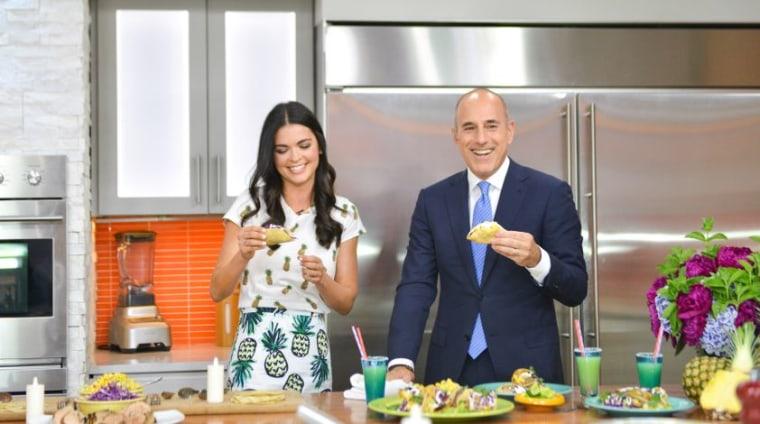 Katie Lee makes honeydew margaritas to wash down tacos