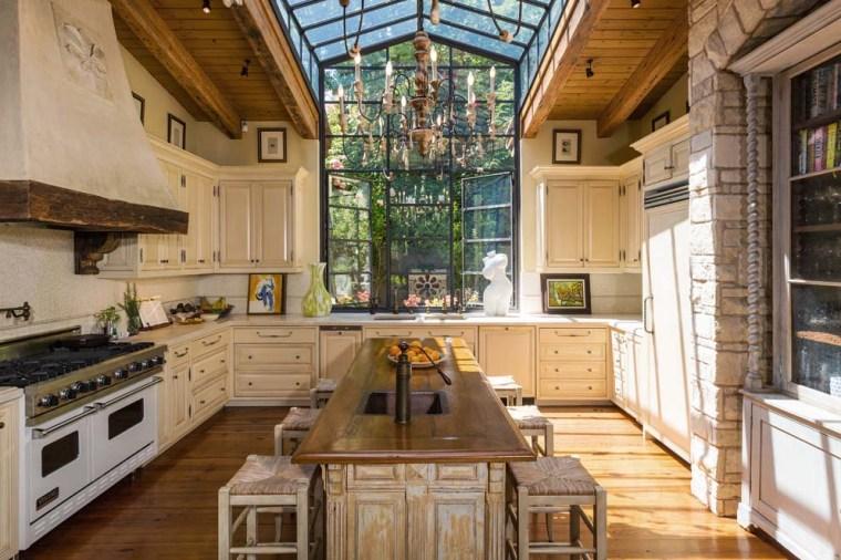 Jennifer Lopez's kitchen
