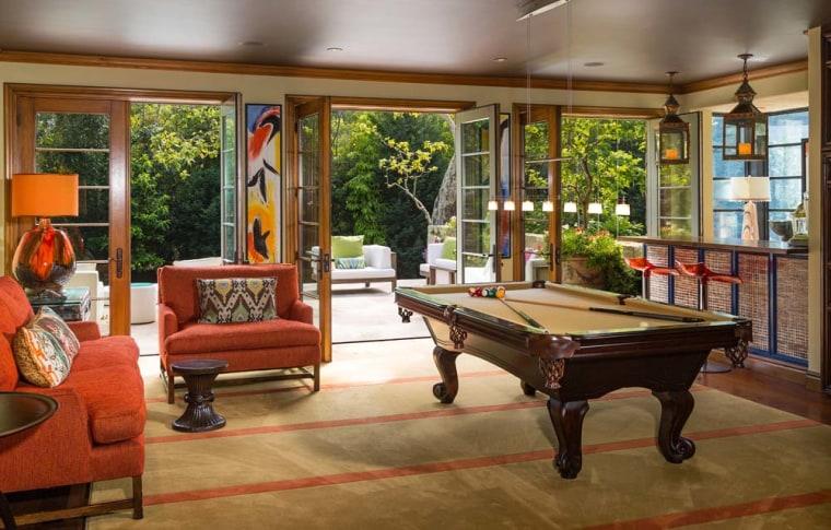 Jennifer Lopez's billiard room