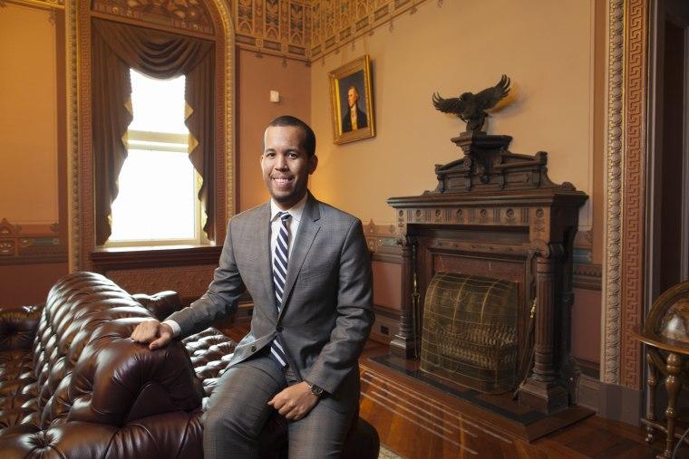 Image: Young Latinos of the Obama White House . Elias Alcantara.