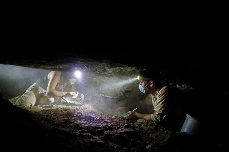 Image: The Wider Image: Searching for remains of the Dead Sea Scrolls