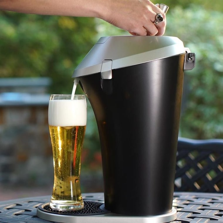 Fizzics am at-home beer system that turns an ordinary can or bottle of beer into a draft.