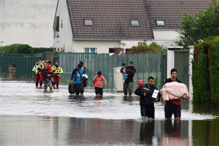 Image: FRANCE-ENVIRONMENT-FLOOD-WEATHER