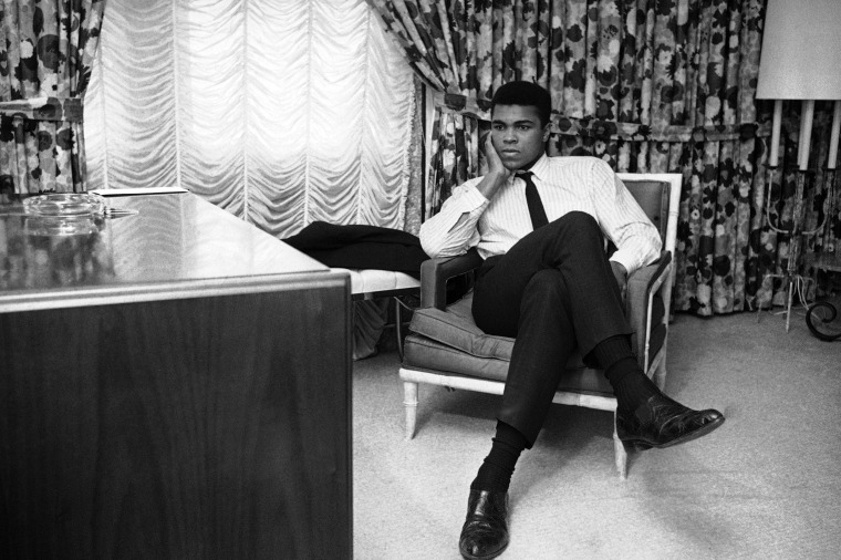 Obama Mourns Muhammad Ali: 'A Man Who Fought for Us'