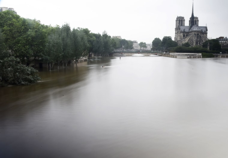 Image: TOPSHOT-FRANCE-ENVIRONMENT-WEATHER-FLOOD
