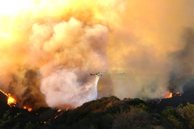 Image: Kittridge Fire in Calabasas Los Angeles