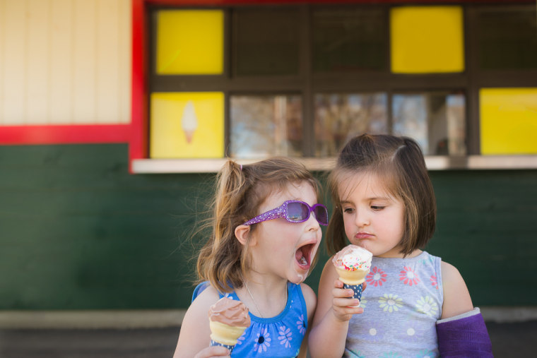 Summer friendships and delicious hot weather treats are a perfect combination for adorable photos.