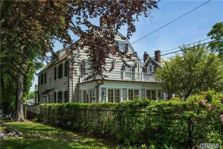The Amityville Horror Home Is For Sale Here Are The Details
