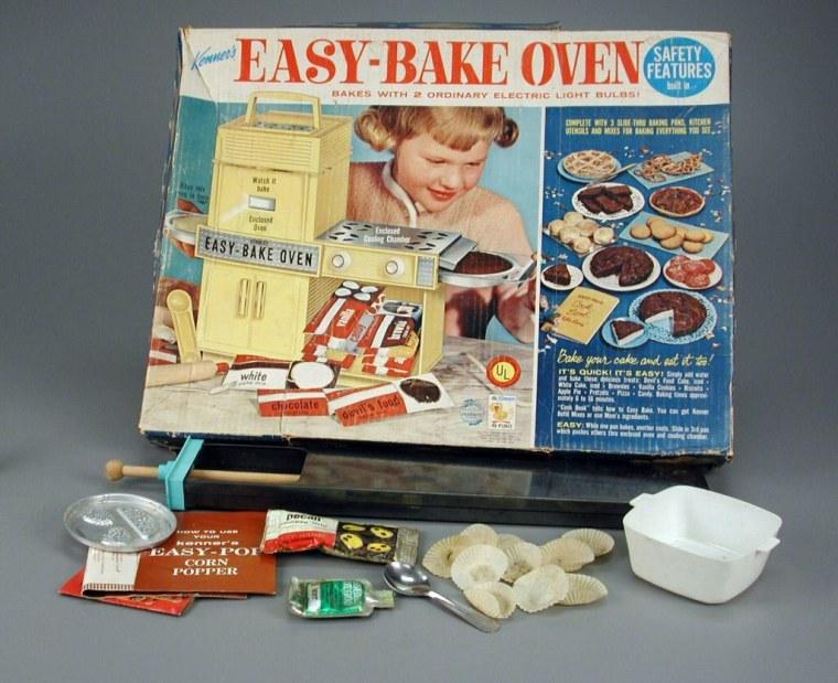 1960 - Easy Bake Oven