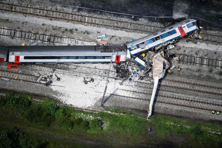 Image: BELGIUM-TRAIN-ACCIDENT-AERIAL