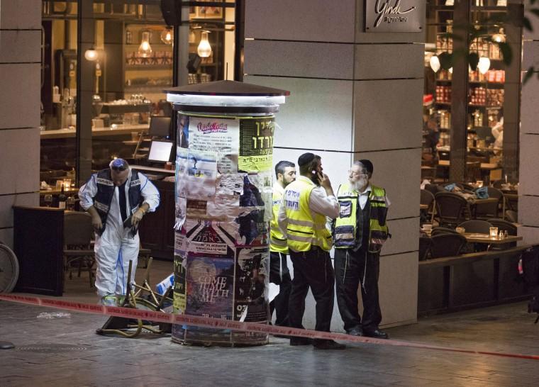 Image: At least three killed in Tel Aviv shooting