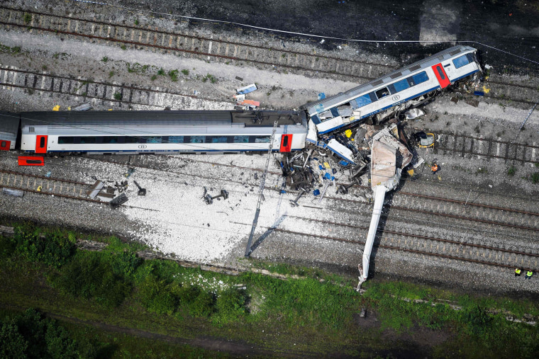 Image: A collision between a freight train and a passengers train in Belgium