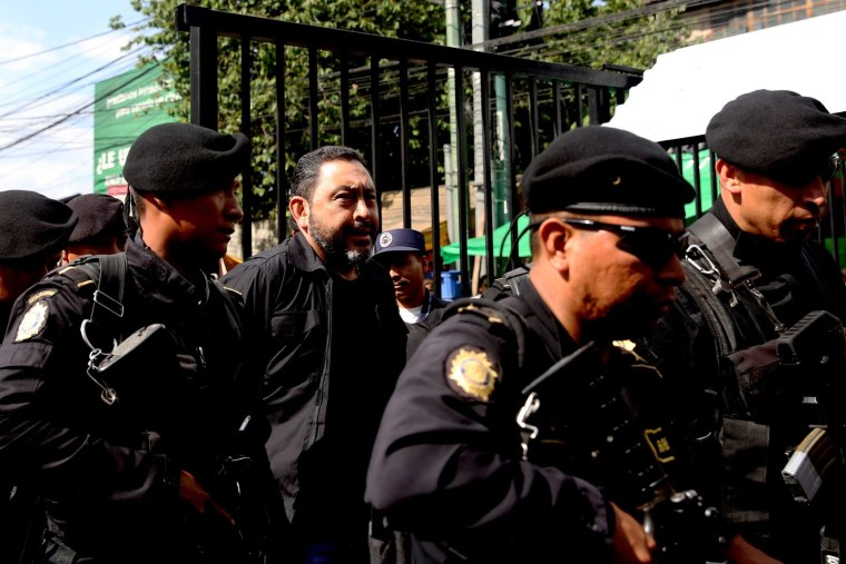 Image: TWO MINISTERS FROM PEREZ MOLINA'S PARTY ARRESTED