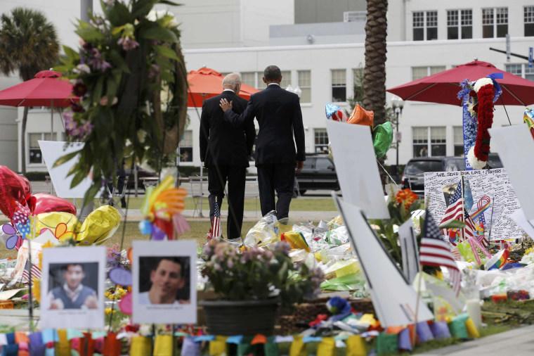Image: U.S. President Obama and Vice President Biden depart makeshift memorial for shooting victims in Orlando, Florida