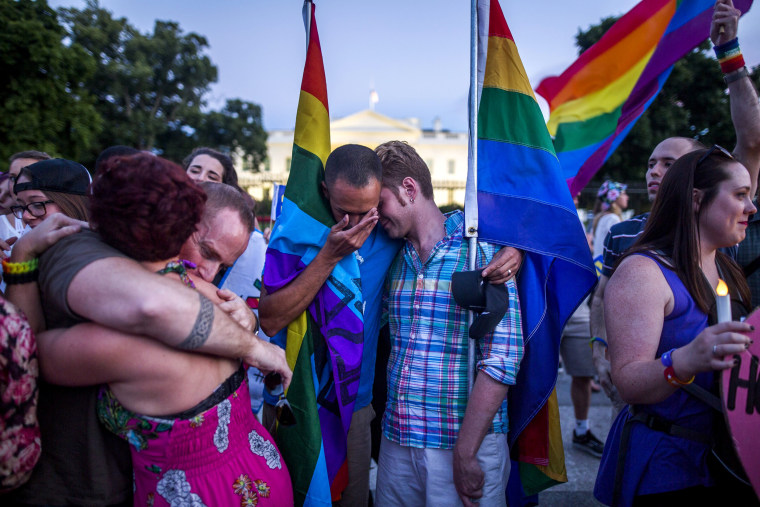 Image: Vigil in honor of Orlando shooting victims outside the White House in Washington, DC