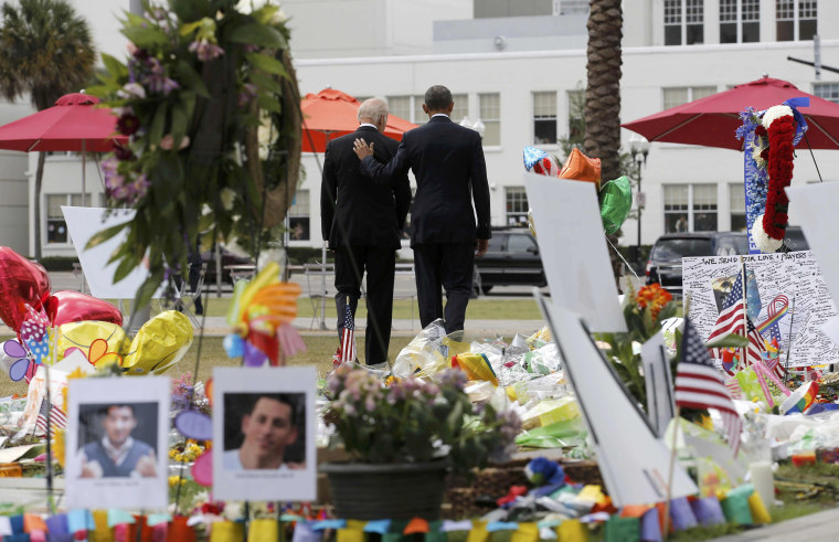 Image: U.S. President Obama and Vice President Biden depart makeshift memorial for shooting victims in Orlando, Florida
