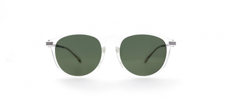 Sunglasses for an oval-shaped face