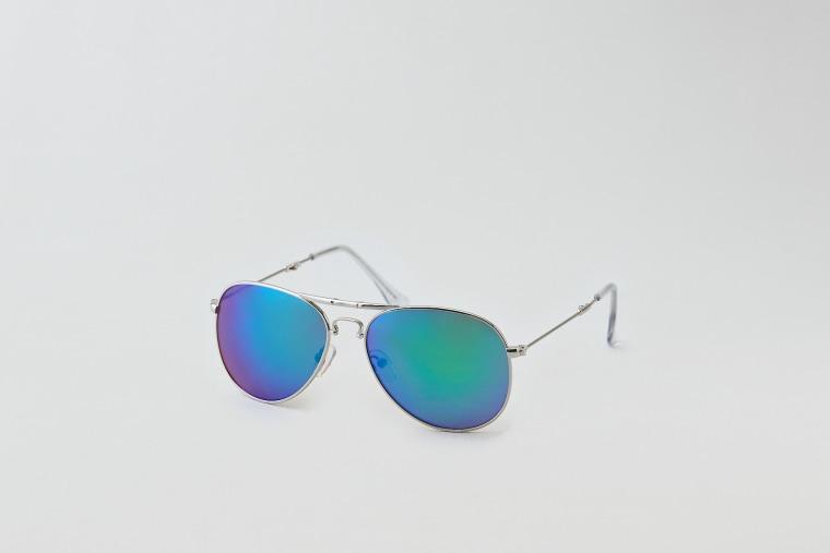 AEO Folding Aviator sunglasses for an oval-shaped face