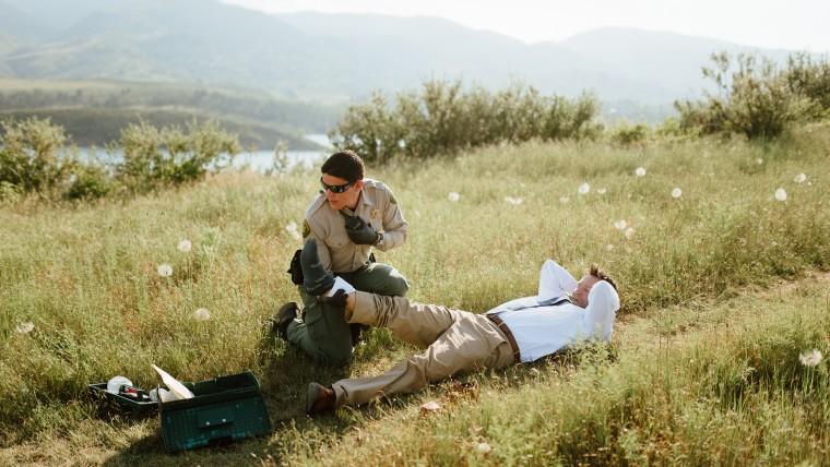Rattlesnake bites groom during wedding photos