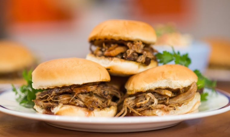 Roger Mooking serves up Tennessee-style pulled pork sandwiches