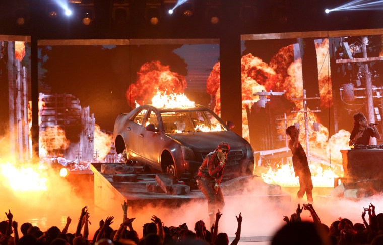 Image: Future performs