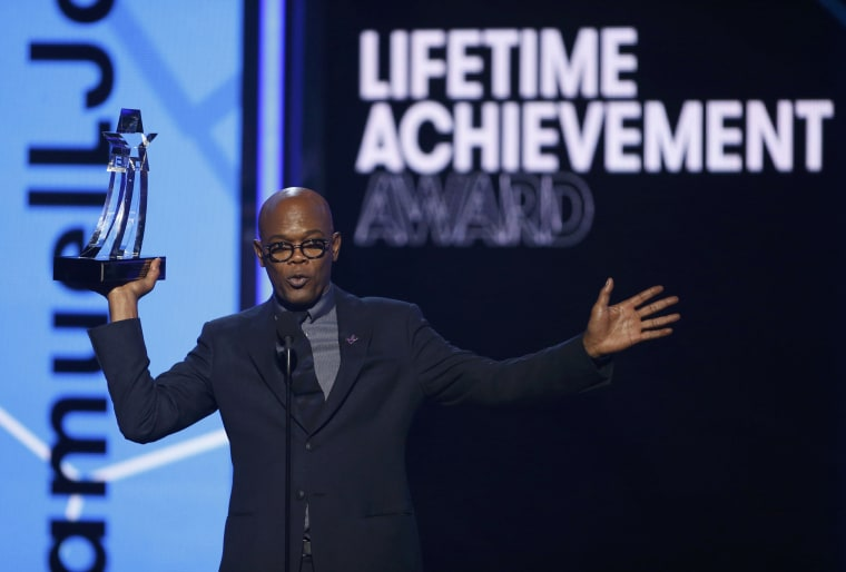 Image: Samuel L. Jackson accepts the Lifetime Achievement Award