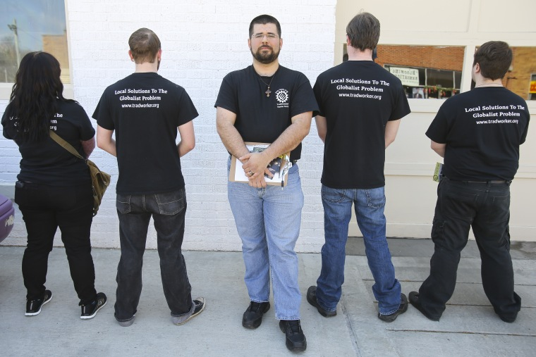 Matthew Heimbach, chairman of the Traditionalist Worker Party, and party supporters spent the day organizing and mobilizing the white working class to fight for faith, family, and folk by spreading the word and handing out leaflets in Beattyville, KY.