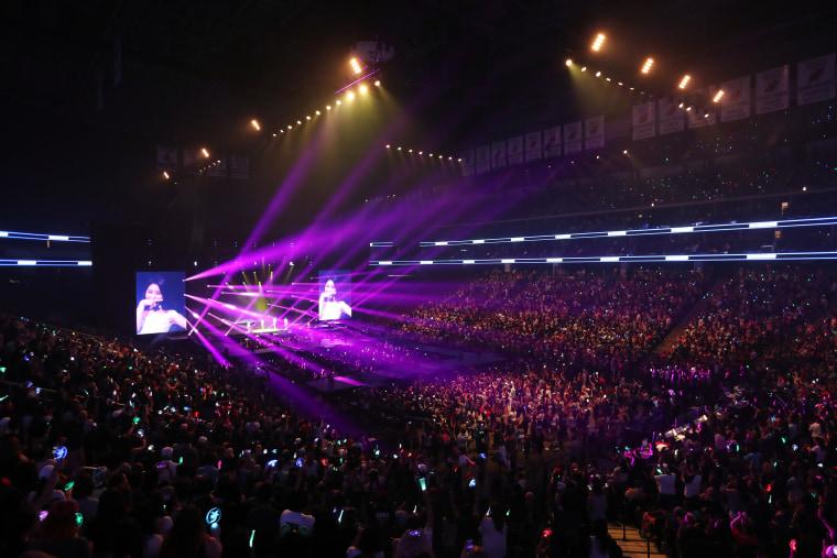 KCON Crowd