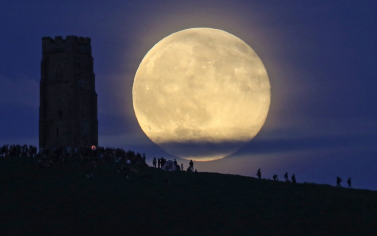 Image: Strawberry Moon Rises Over Glastonbury Tor