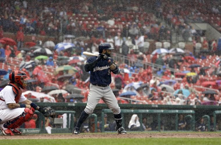 Image: Rain at Brewers-Cardinals baseball game