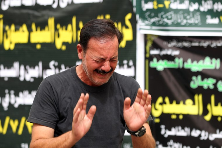 Image: Relative of a Baghdad bombing victim