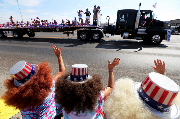 Image: Independence Day Parade in Texas
