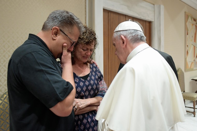 Image: Pope Francis meets with the parents of U.S. college student Beau Solomon