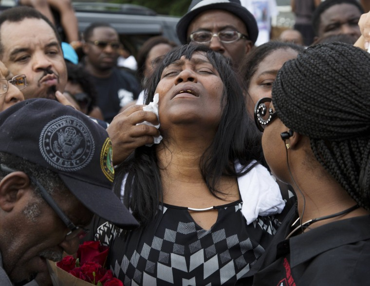 Image: Sandra Sterling, reacts during a community vigil in memory of her nephew, Alton Sterling, who was shot dead by police, at the Triple S Food Mart in Baton Rouge