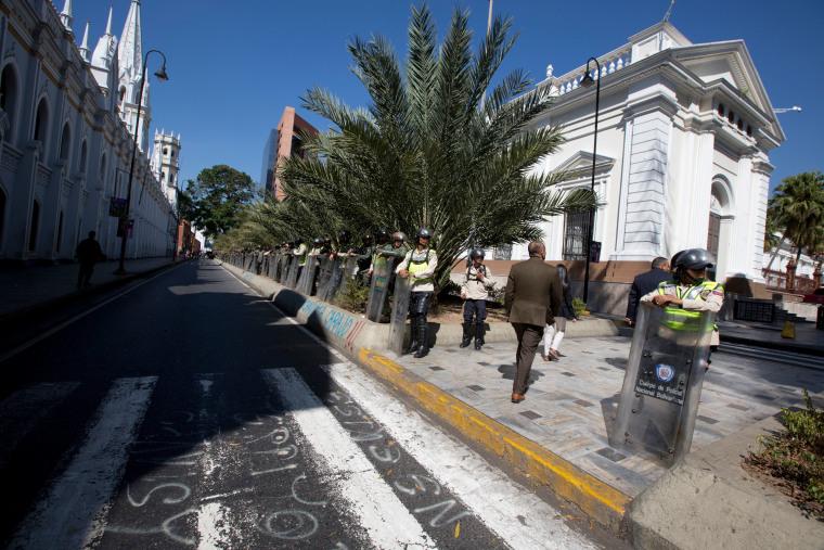 File photo: Venezuela Bolivarian National Police officers guard outside of Venezuela's National Assembly building.