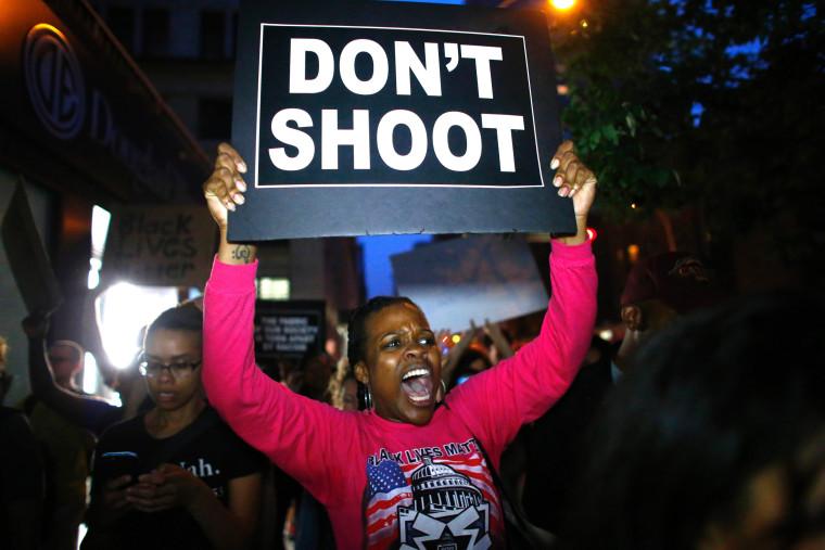 Image: TOPSHOT-US-CRIME-POLICE-SHOOTING