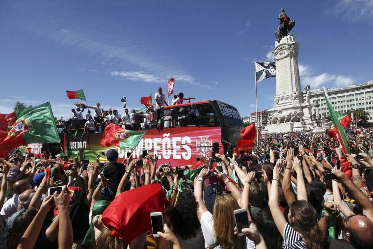 Image: Euro 2016 Champions Return Home