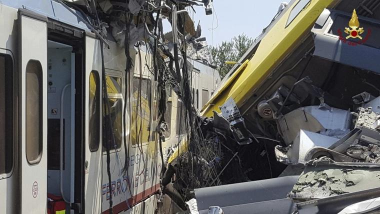 Image: Train crash in Italy