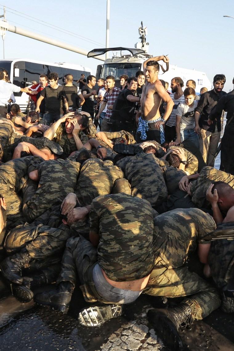 Image: Military Occupy Strategic Locations In Turkey