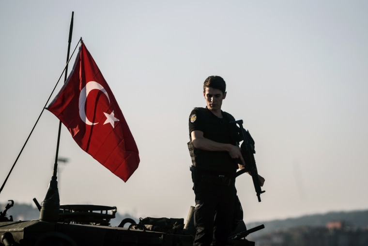 Image: TOPSHOT-TURKEY-POLITICS-COUP-ARMY