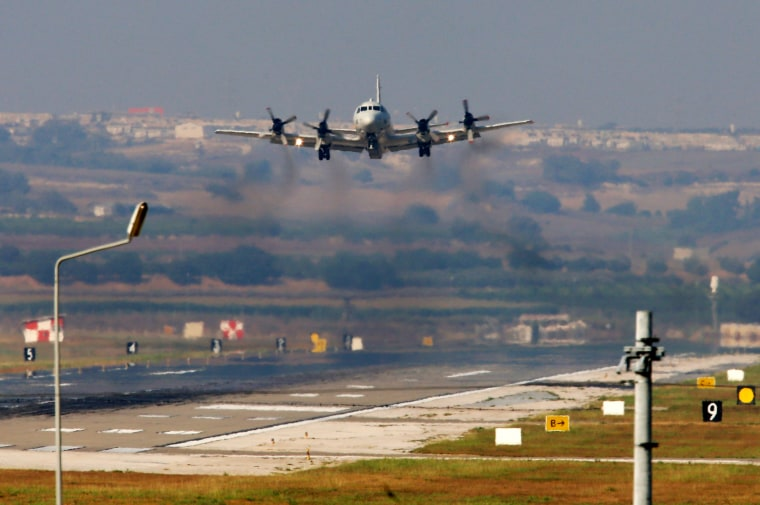 Image: A United States Navy aeroplane about to land at the Incirlik Air Base
