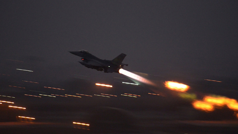 Image: An F-16 Fighting Falcon takes off from Incirlik Air Base, Turkey