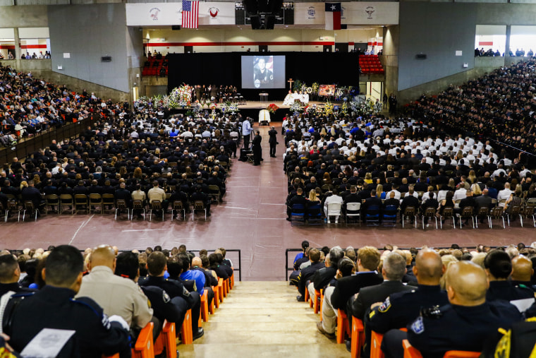 Image: Mourners attend the funeral service for Dallas police officer Patrick Zamarripa