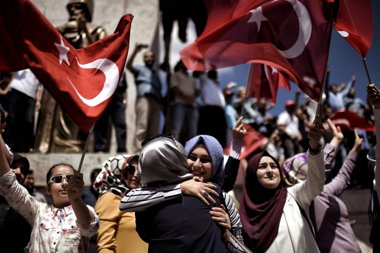 Image: TURKEY-POLITICS-MILITARY-COUP-DEMO