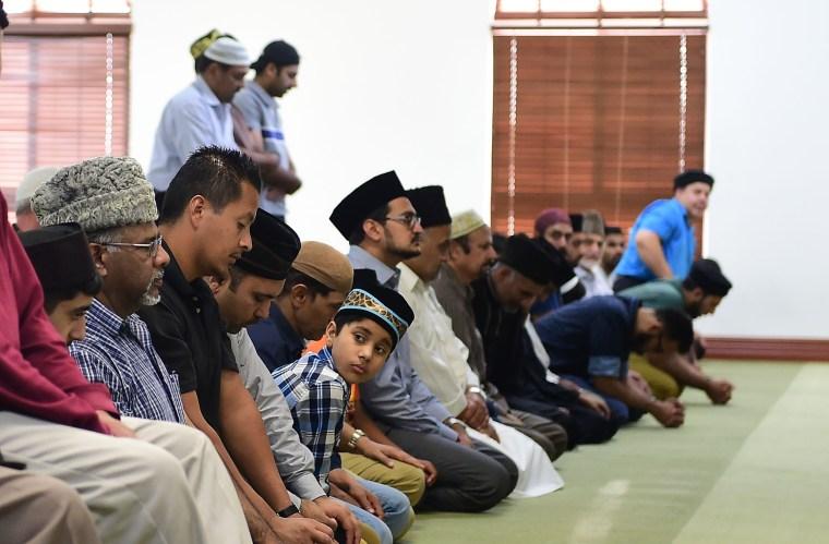 Image: US-RELIGION-ISLAM-RAMADAN-PRAYER