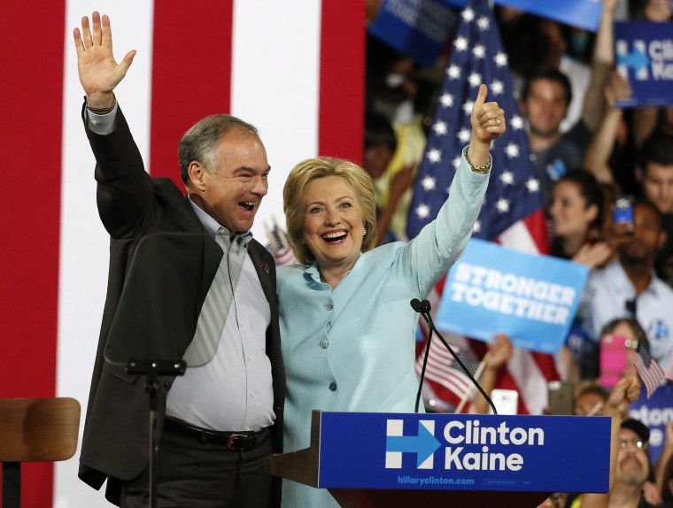 Image: Clinton introduces running mate Kaine