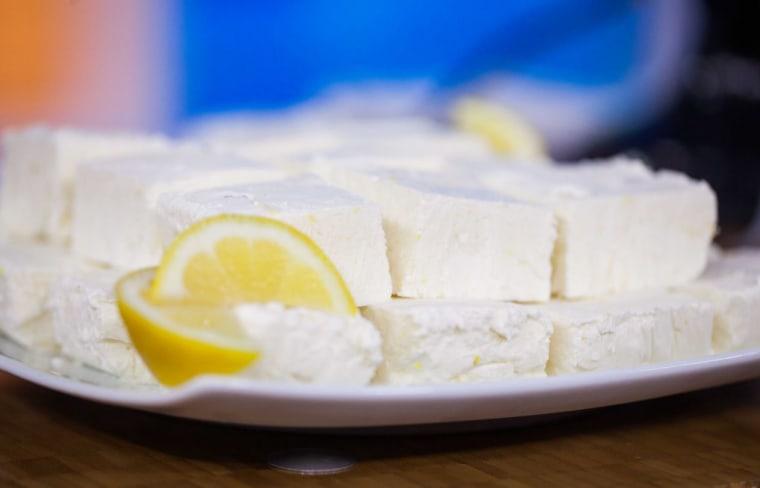 Easy no-bake frozen cheesecake bars