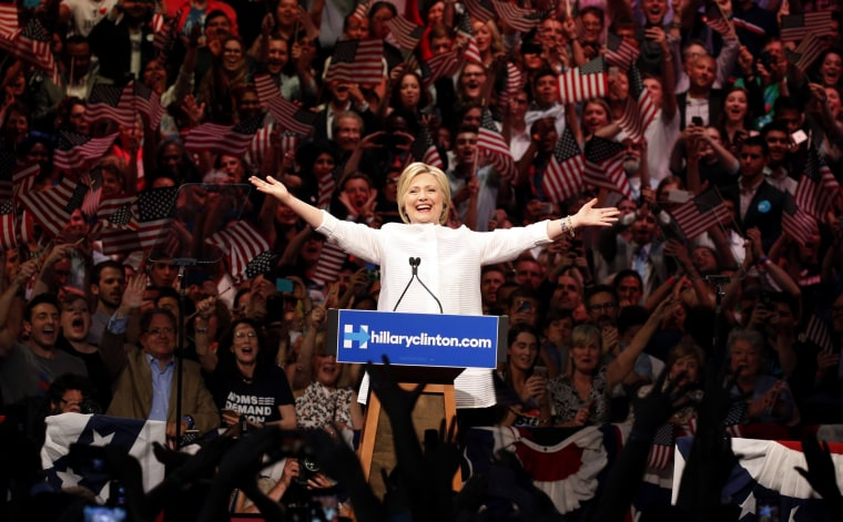Image: Democratic U.S. presidential candidate Hillary Clinton arrives to speak during her California primary night rally held in Brooklyn